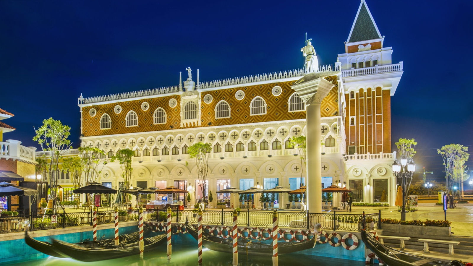 The Venezia Hua Hin Shopping Village